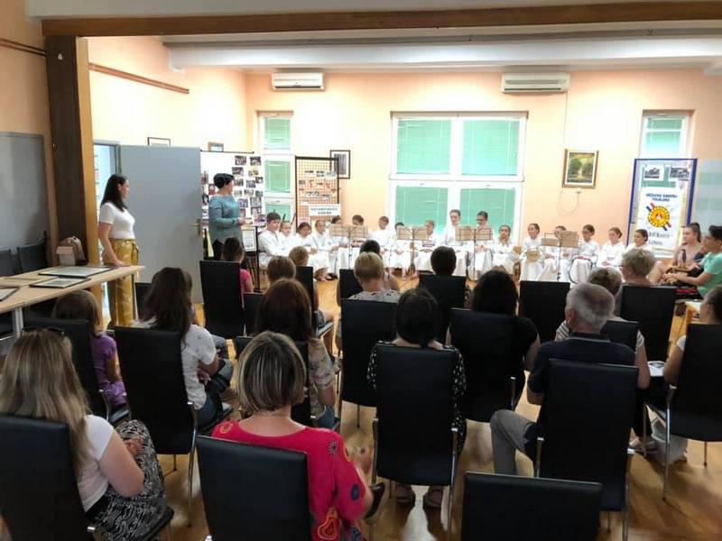 Grad Vukovar Kulturni Cetvrtak U Gradskoj Knjiznici Vukovar Kud